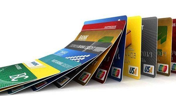 Có nên mở nhiều thẻ tín dụng không?